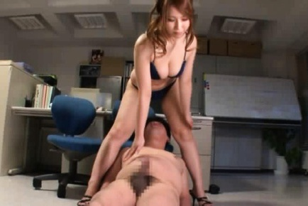 Office Babe Ai Sayama Face Sits And Jerks Guys Off