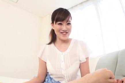 Rin Yunoki gives a handjob while he sucks her MILF tits